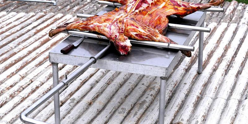 锡林浩特市烤全羊