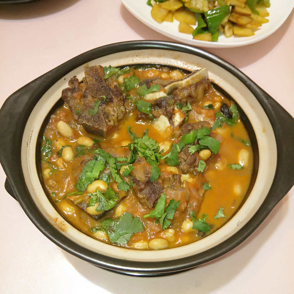 牛骨西红柿黄豆煲