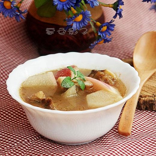 炖萝卜牛骨汤