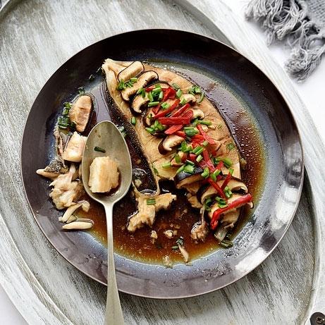 香菇蒸比目鱼