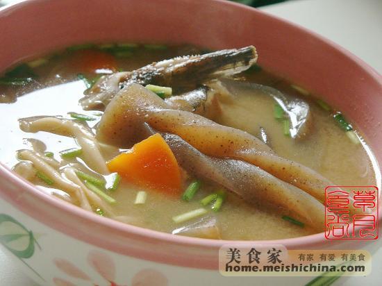 鮰鱼头尾汤