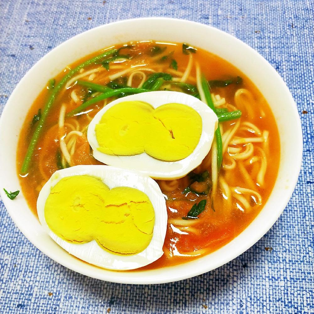 西红柿茼蒿鸡蛋面