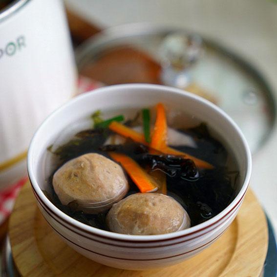 牛肉丸萝卜紫菜汤