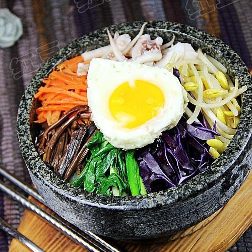 韩国鱿鱼石锅拌饭