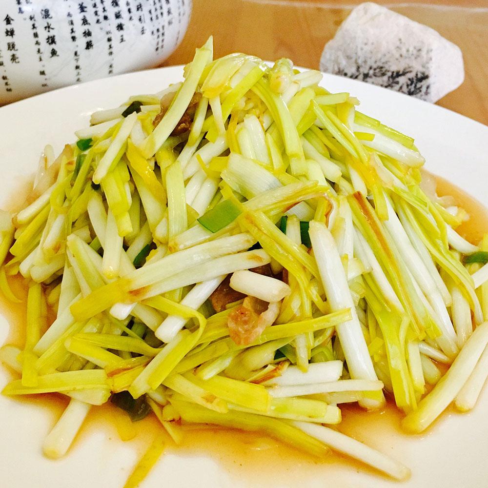 五花肉炒蒜黄