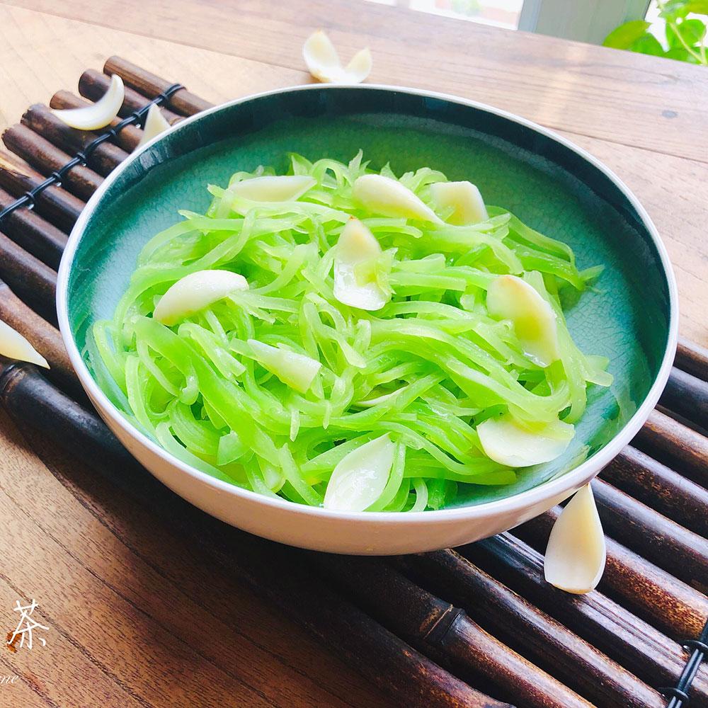 莴苣炒百合